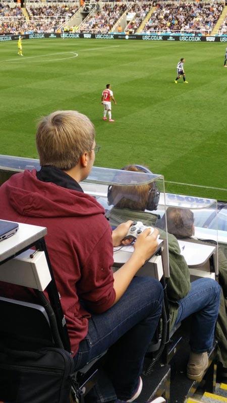 Xbox-controller-arsenal-vs-Newcastle-game
