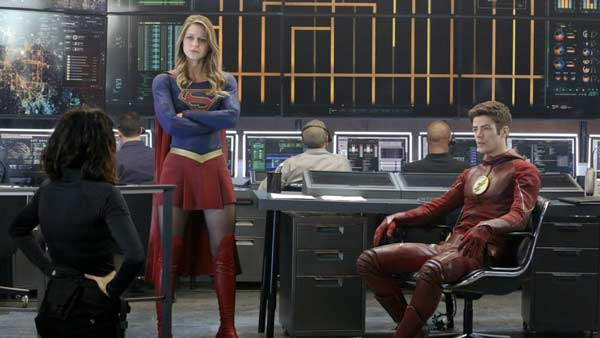 Kara meets Barry in Supergirl S01 Ep 18 - World's Finest