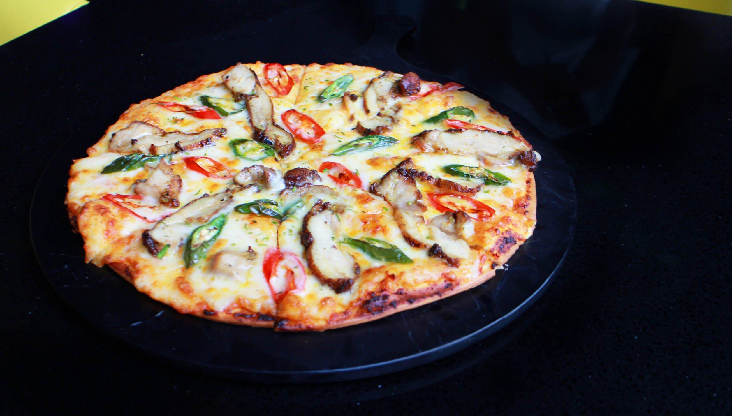 Signature Spicy Chicken Balado pizza - Justsaying.ASIA