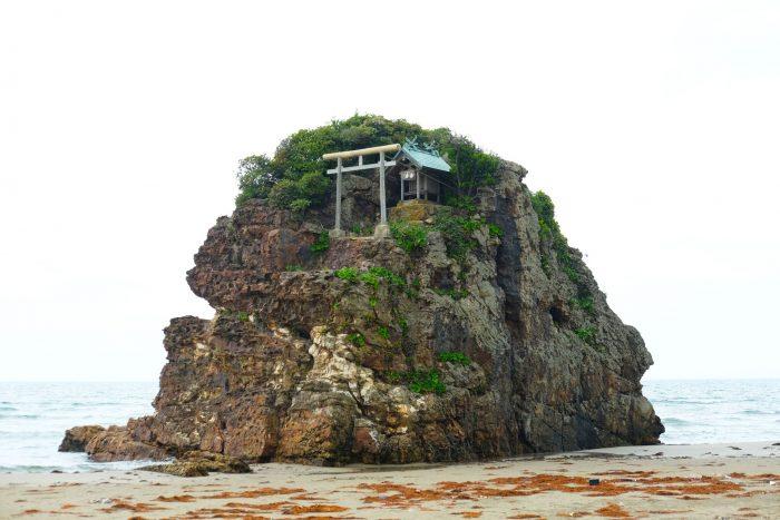 Izumo Rock Shrine, a destination on the San'in Quest